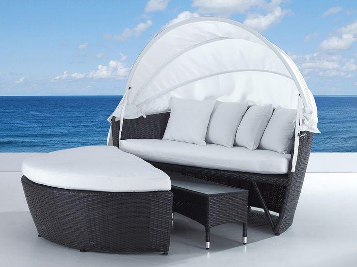 Solsäng med soltak i konstrotting och bord - strandkorg - vilsäng - loungesäng - SYLT LUX