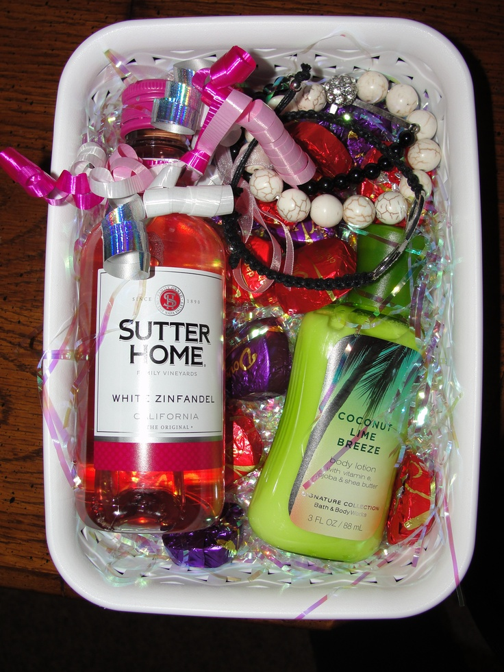 1000+ ideas about Mother's Day Gift Baskets on Pinterest ...