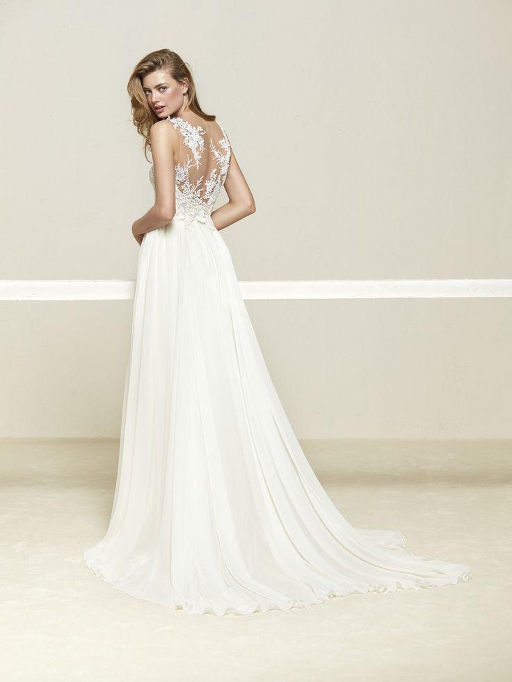 Wedding dress with beautiful layered skirt - Drepea - Pronovias | Pronovias