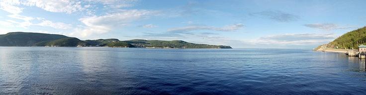 Vue de Tadoussac à bord du traversier en provenance de Baie-Sainte-Catherine, 2007