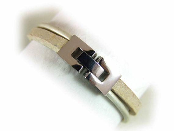 Lederarmband Damen beige sand perlmutt silber  von elfenstuebchen, €24.90 / Women's leahter bracelet beige / sand / pearl metallic - stainless steel