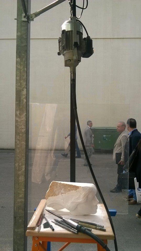 ...piano piano il lavoro di Davide procede ! #marmo #scultura #scolpire #decorazione #rifinitura