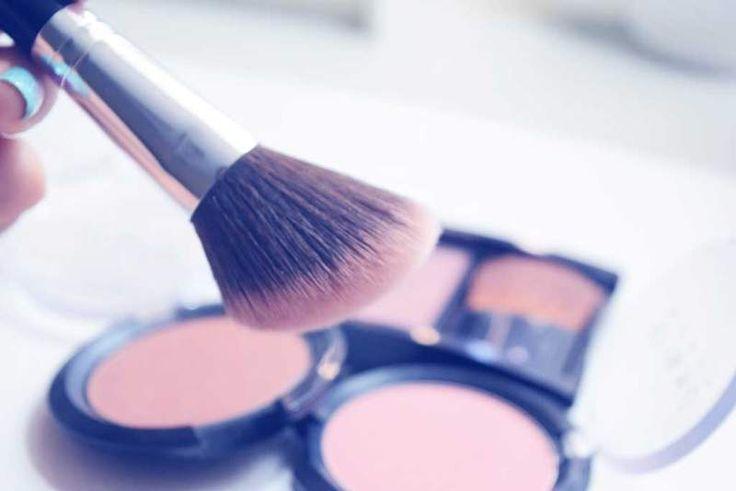 Conviértete en una profesional con el curso básico de maquillaje. Este curso es para toda principiante que quiera saber todo lo que se necesita para lograr un maquillaje perfecto.