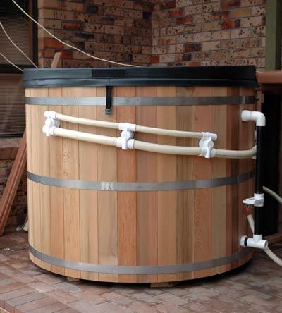 6 person Cedar hot tub on solar power in Avoca, NSW