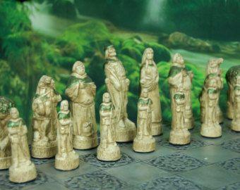 Isle Of Lewis Chess Set with Viking Berserker от WinkingBlindBats