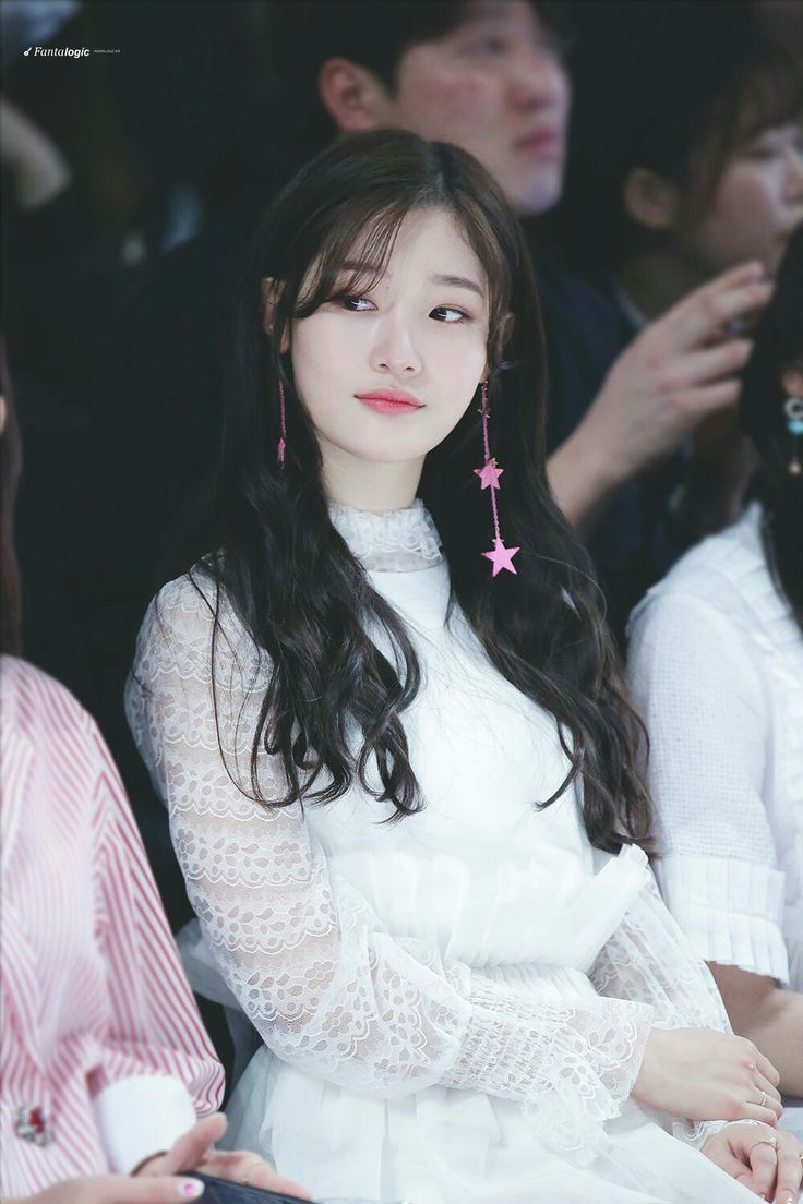 Jung Chaeyeon àhhh ;;^;; Well..... It's like i'm the only one who ugly on this planet ;;^;;