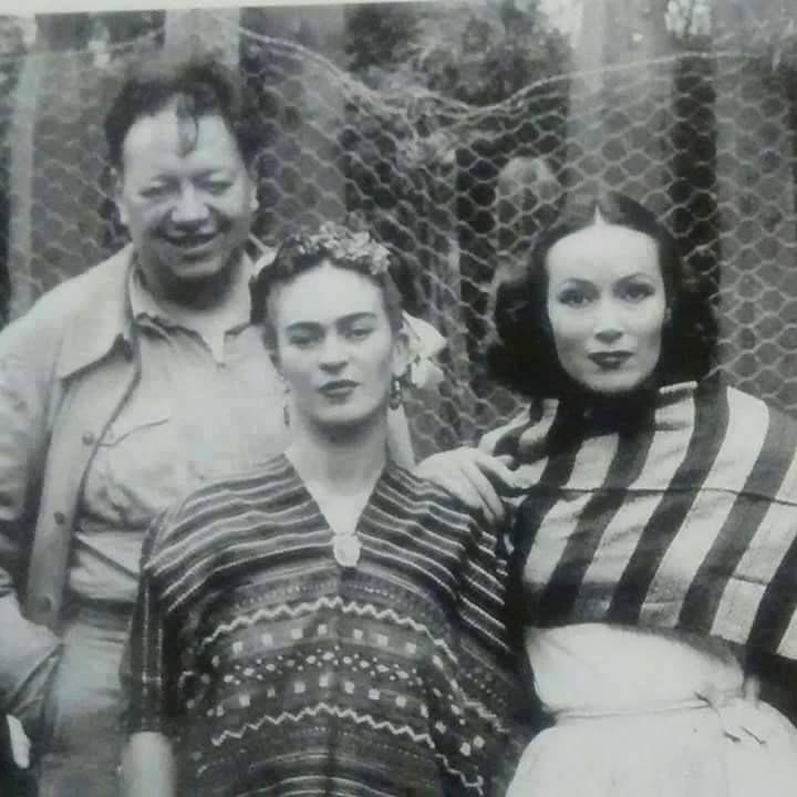 cazadordementes:  Diego Rivera, Frida Kahlo y Dolores del Río.