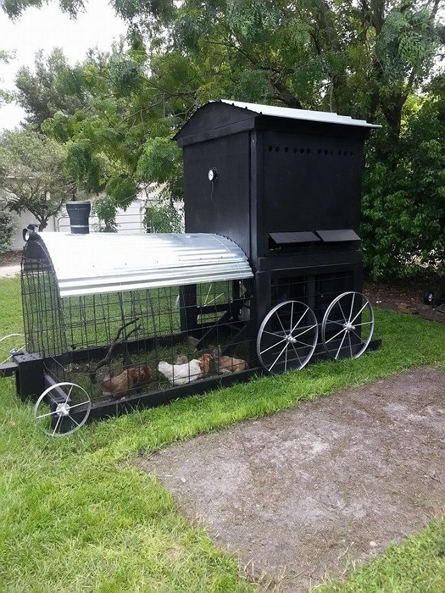 Best 20 mobile chicken coop ideas on pinterest portable for Big chicken tractor