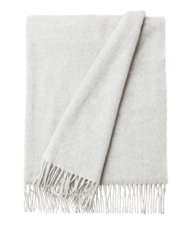 Aurora Wool Scarf. Light Grey. Soft lambs wool scarf with fringes. Lexington Clothing Company Fall Collection 2016, Women. www.lexingtoncompany.com