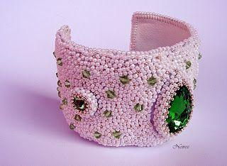 koralikowe fantazje Noiree: Kryształy w akcji  Bracelet Crystals - made from Toho, glass and Swarovski crystals #embroidery #bracelet #beads