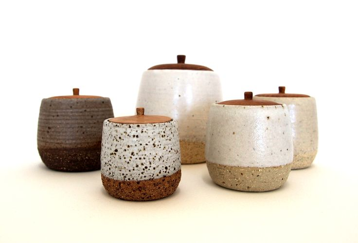 WINGNUT & CO designs are influenced by Japanese tableware and carpentry techniques. Launched in 2013, Asuka Mew and Anna Miller-Yeaman are interested in combining ceramic and timber elements, to create useful pieces. Hand crafted in Melbourne. www.wingnutand.co