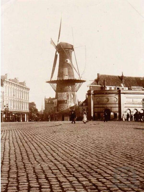 Oostplein met molen de noord 1900
