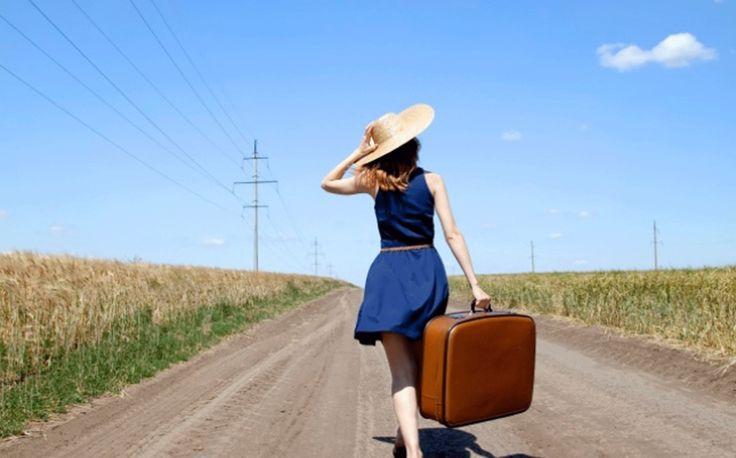 """Viajar es la mejor inversión que puedes realizar! """"Cuando viajas a otro lugar, sobre todo si es desconocido, estás obligando a tu cerebro a estar en continuo proceso de solución de problemas y superación de desafíos; viajar requiere aprender y memorizar todo lo extraño hasta que resulte normal y conocido""""."""