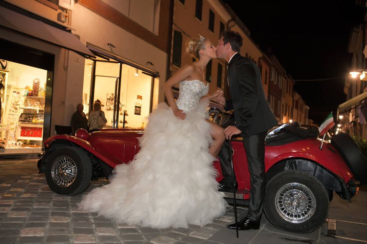 Evviva gli #sposi !!! Atelier #ilgiardinodellasposa Vi aspettiamo al Gran Gala' degli Sposi, domenica 28 settembre. Con il vostro abito da sposa o con abito lungo. Sarà una serata indimenticabile!!!
