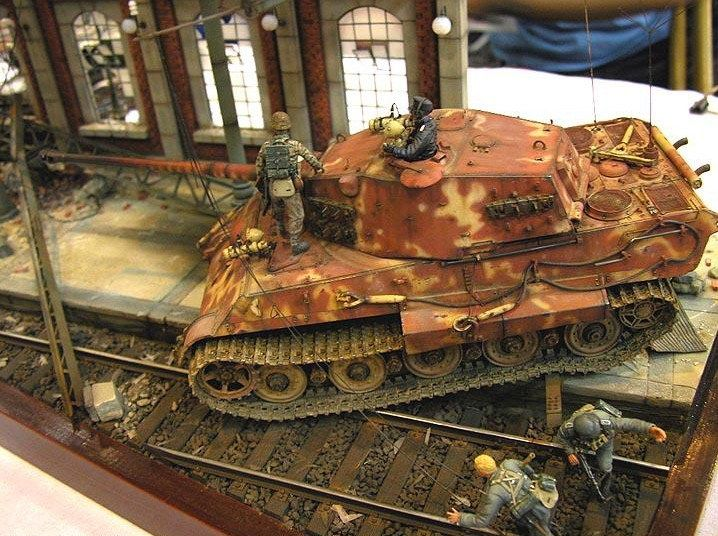 King tiger 1 35 scale model diorama dioramas pinterest for Scale model ideas