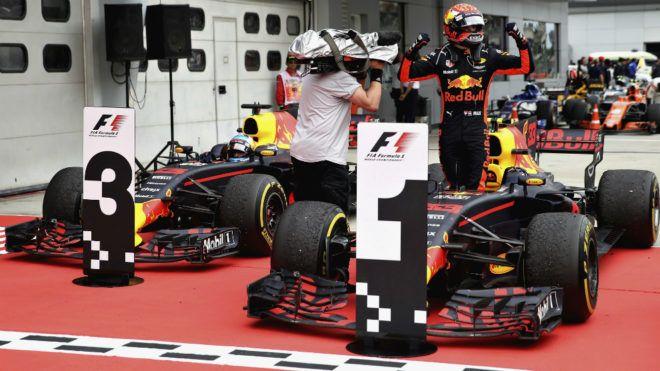 GP Malasia F1 2017: Verstappen doblega a Hamilton y Vettel sigue vivo | Marca.com http://www.marca.com/motor/formula1/gp-malasia/2017/10/01/59d0a9bd46163f272d8b457b.html
