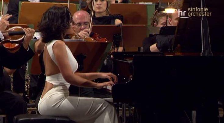 Khatia Buniatishvili plays Robert Schumann's Piano Concerto in A minor, Op. 54. Frankfurt Radio Symphony Orchestra conducted by Paavo Järvi.