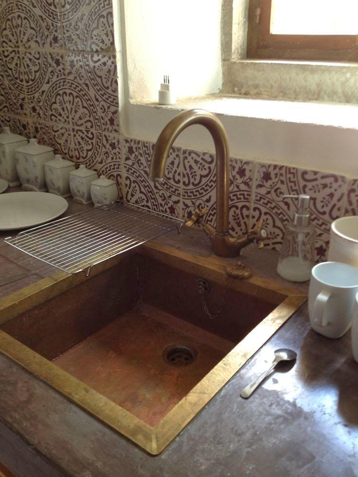 die besten 25 mediterrane fliesenspiegel ideen auf pinterest mediterrane brunnen f r drau en. Black Bedroom Furniture Sets. Home Design Ideas