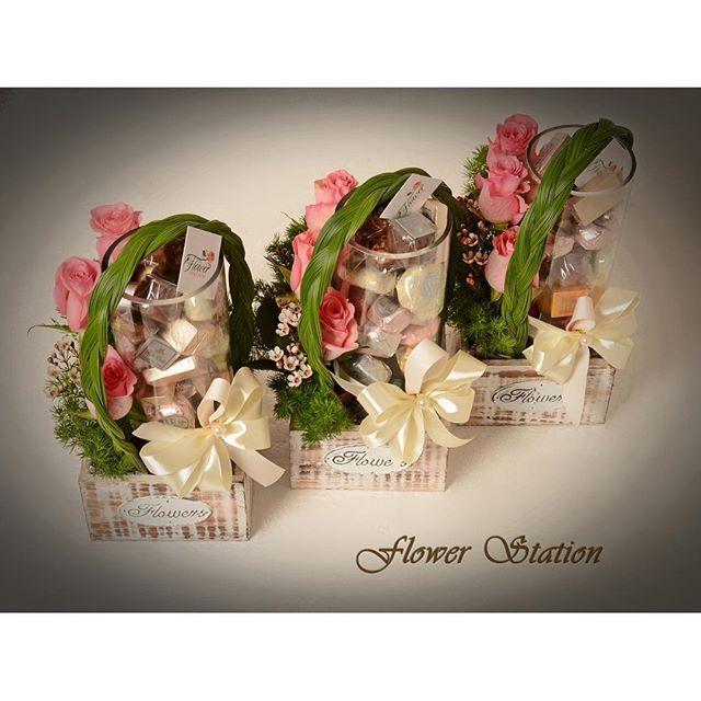 نتيجة بحث الصور عن تغليف هدايا بالورد Gift Wrapping Gifts Flowers