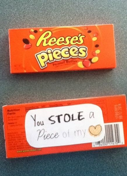 Reese's pieces candy pun - you stole a 'piece' of my heart. A just because I love you gift I have to my boyfriend #boyfriendgift #diy #diyboyfriendgift #simple