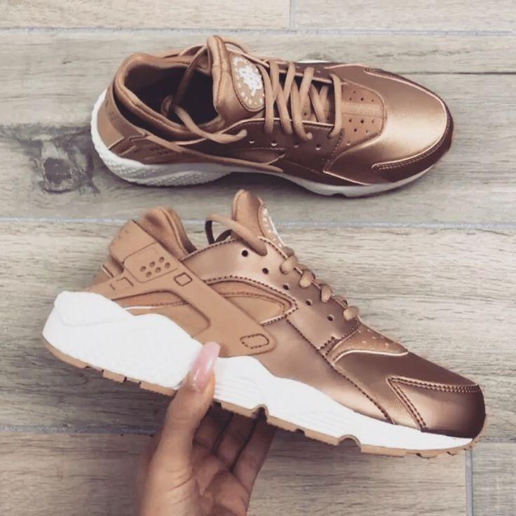 ❣❥✝ ριитєяєѕт: ❣❥✝ Adidas Women's Shoes - http://amzn.to/2hIDmJZ