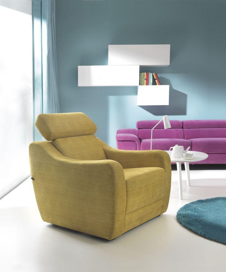 Fotel Sorizo to miks klasyki i nowoczesności - tradycyjne kształty oraz wygodny ruchomy zagłówek.
