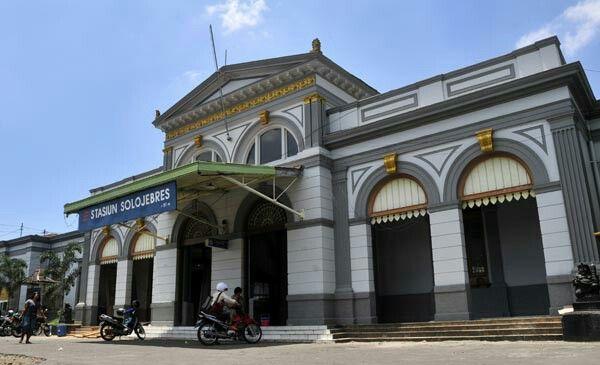 Solo Jebres Station