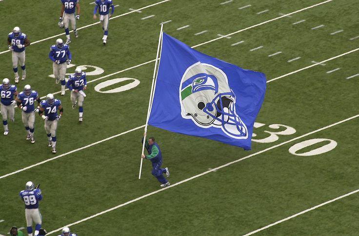 Seahawks WR Ricardo Lockette Sustains 'Scariest' Injury, Carried Off Field - http://www.morningnewsusa.com/seahawks-wr-ricardo-lockette-sustains-scariest-injury-carried-off-field-2342010.html