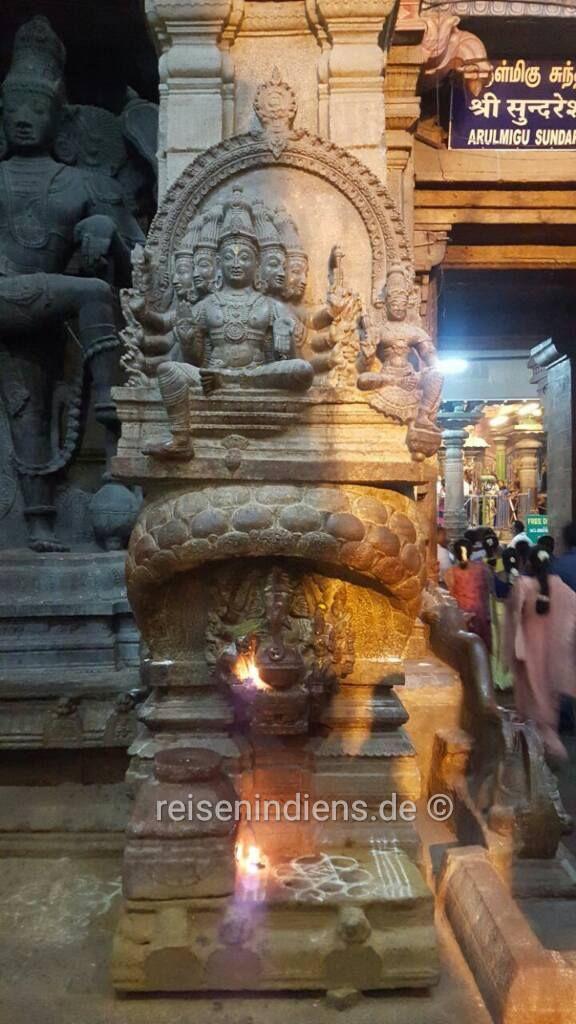 Sundareswarar Skulptur #Indien #urlaub #fernreisen #kulturreisen #fotoreisen #buntetempel #Indien #Hinduismus #kulturreisen #kulturebene #madurai #meenakshiitempel