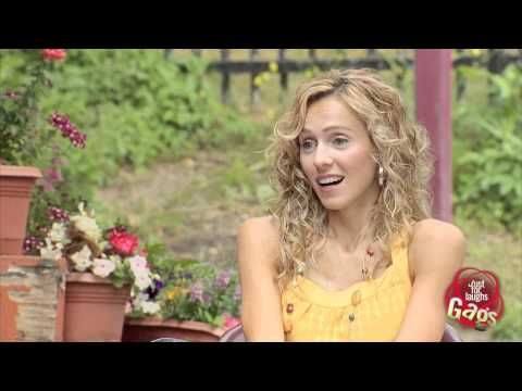Una birra offerta da una bella ragazza (VIDEO) | WorldScreen