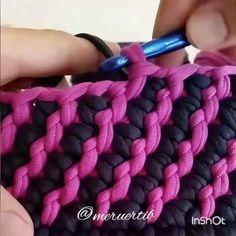 Vamos aproveitar a tarde de domingo vendo um pontinho lindo . . . .  By @happytia_pavlodar . . . . #crochet #crochetaddict #crochet #croche #croché #croshet #yarnlove #yarn #yarning #knitlove #knit #knitting #trapillo #ganchilloxxl #ganchillo #crocheaddict #fiodemalha #handmade #feitoamao #totora #penyeip #вязаниекрючком #uncinetto #かぎ針編み #inspiracao #inspiration #vídeocrochet #dica #videotutorial