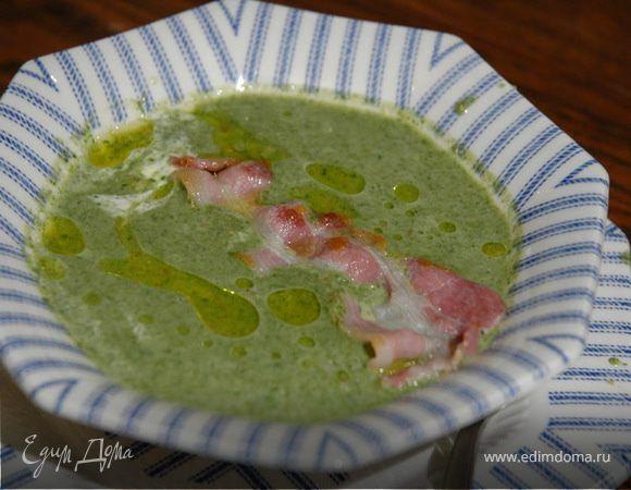 Суп из шпината и чечевицы. Ингредиенты: шпинат свежий, чечевица зеленая, бекон