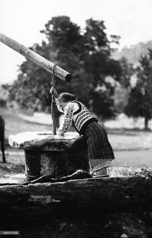 Moldova Romania woman fountain