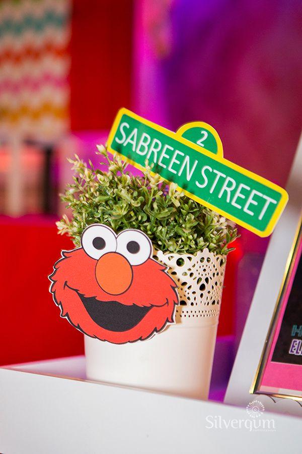Elmo party decoration. For a Sesame Street party in Melbourne, Australia, visit  http://easybreezyparties.com.au/party-themes/sesame-street-theme.html Photo: Silvergum Photography #elmotheme #easybreezyparties
