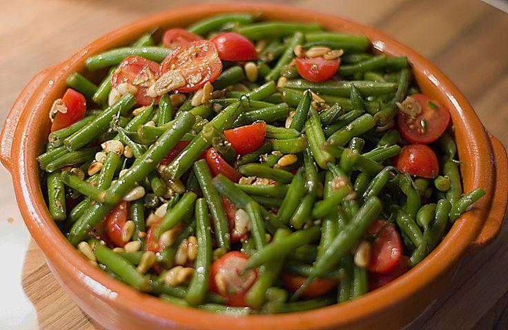 Antipasti mit grünen Bohnen und Pinienkernen, ein schönes Rezept aus der Kategorie Gemüse. Bewertungen: 49. Durchschnitt: Ø 4,1.