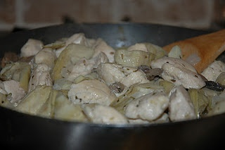 Chicken with Artichokes & Mushrooms in a White Wine Sauce