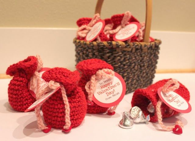 Free Crochet Patterns: Valentine Candy Crochet Bags