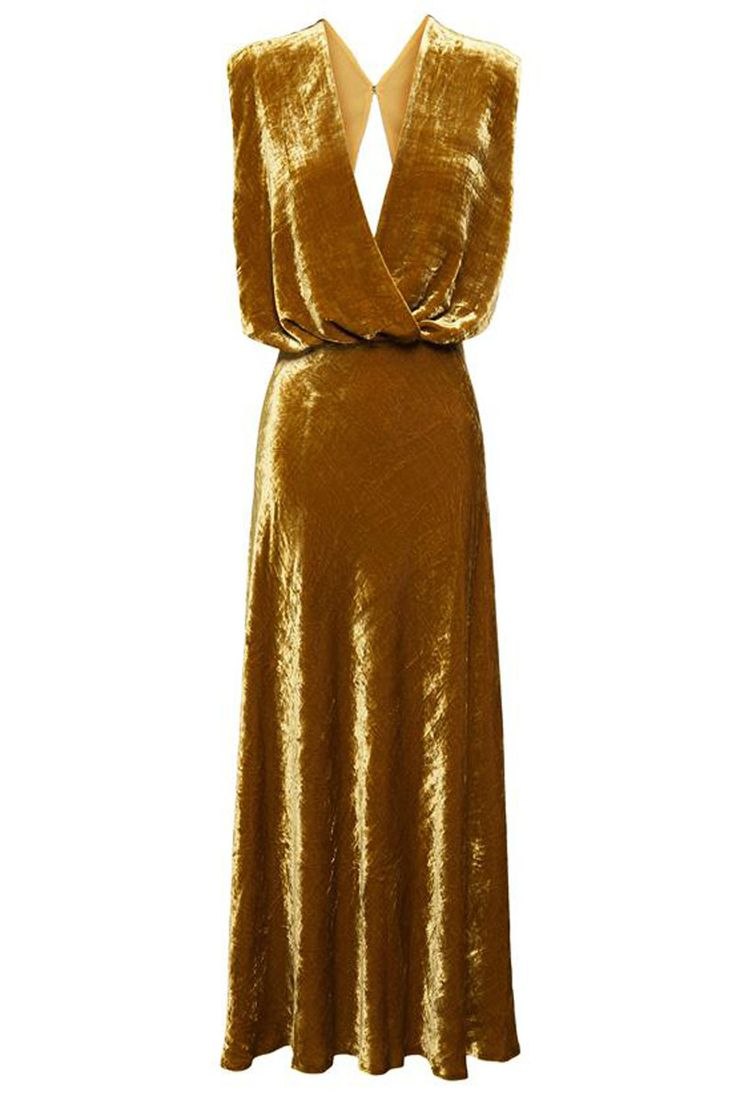 #Invitadas con looks de #terciopelo © A.W.A.K.E. para brownsfashion.com