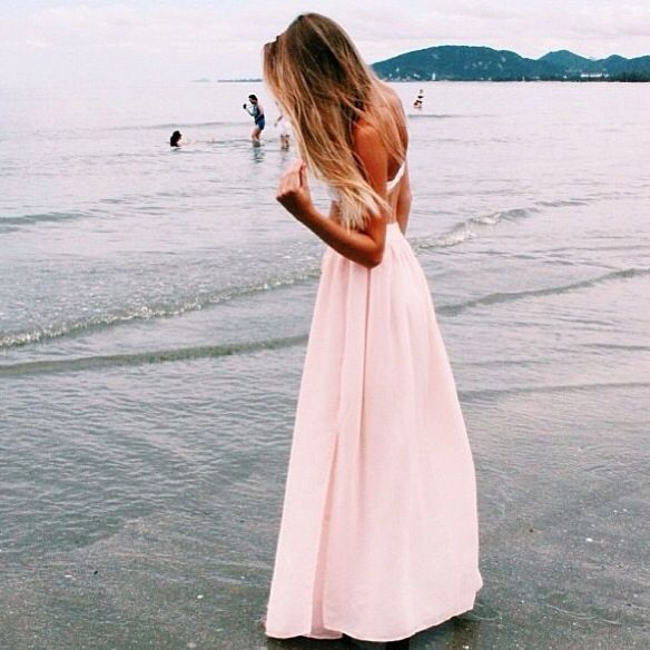 the dress, the hair, the beach, maybe a darker color though