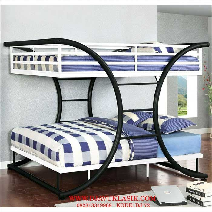 Tempat Tidur Besi Tingkat