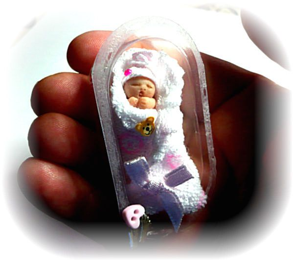 SALE PRICE!! Ooak Baby Doll Bundle Baby Girl & incubator 1:/12 scale Dolls House
