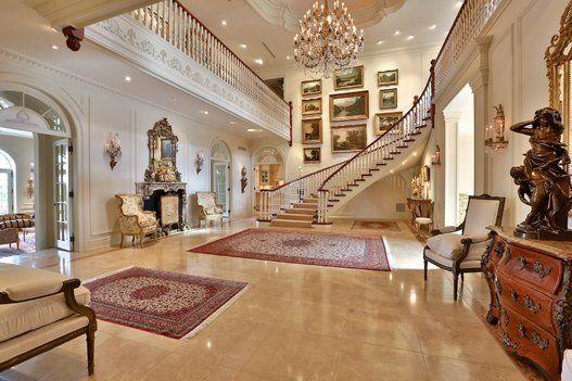 Maisons de luxe cherchent (désespérément) acheteur (PHOTOS)