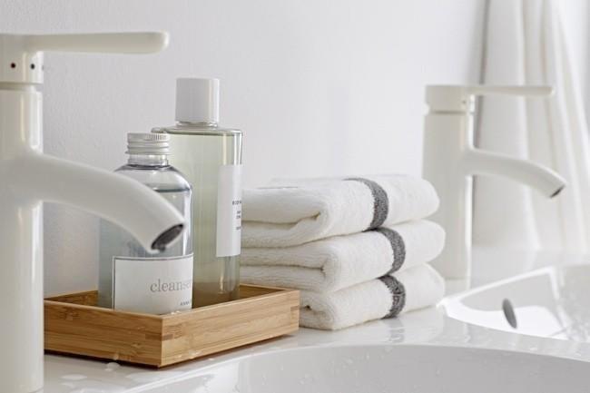 Wit met een vleugje grijs en hout // #IKEAcatalogus