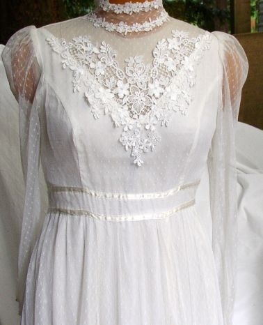 1970 39 s saw a reveival of period styles victorian for Period style wedding dresses