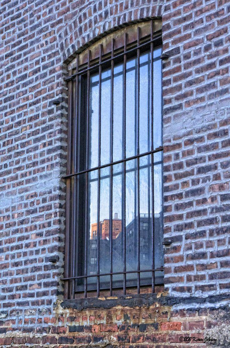Cellular pvc window construction and technology - Brick Window Hi Line1 Jpg 3 264 4 928 Pixels