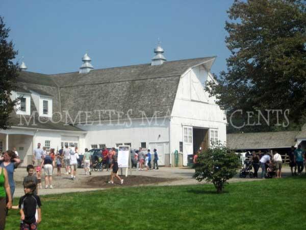fish family farm ~ bolton, ct #barn #Connecticut  http://moomettesmagnificents.com/blog/family-farms-lutz-childrens-museum/