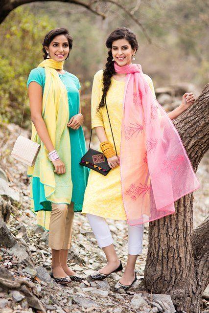 #SummerLights #summer #fashion #women #kurta #dupatta #chikankari #yellow #pink #embroidery #Fabindia
