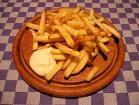 Zelf friet snijden en maken mmm.