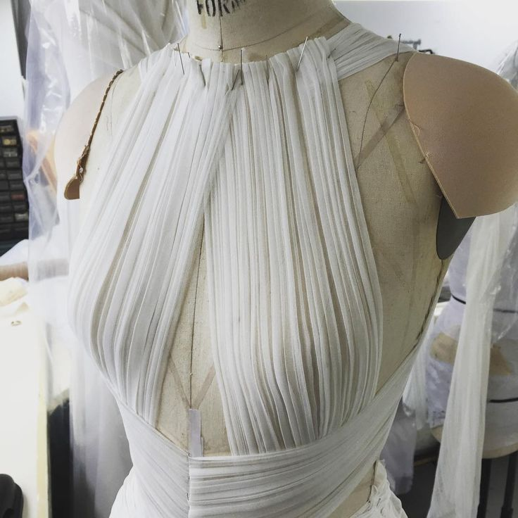 Hand pleating /draping today in the Atelier ... #OMGilles #JMendelAtelier