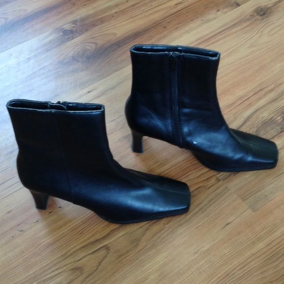 Black Ankle Boots Heels Black zippered ankle fashion boots with heels. Size 6.5 Predictions Shoes Ankle Boots & Booties